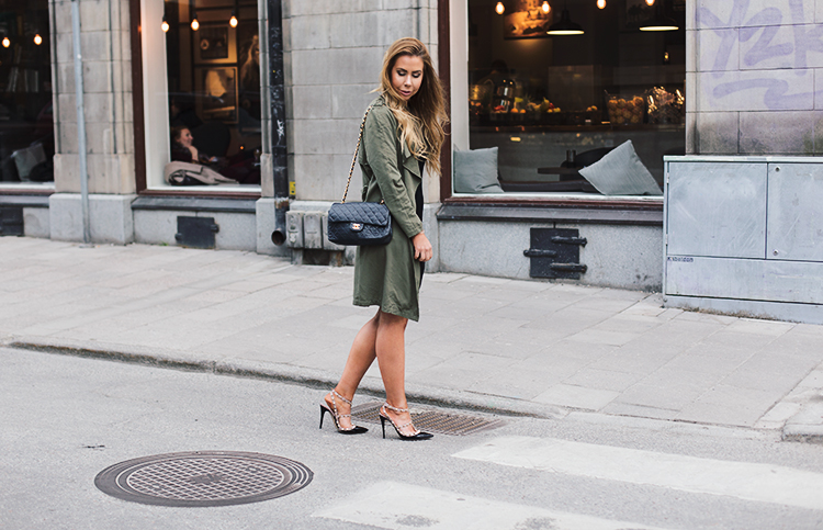army-green-jacket-outfit