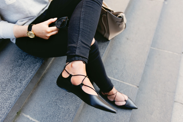 lace-up-ballerina