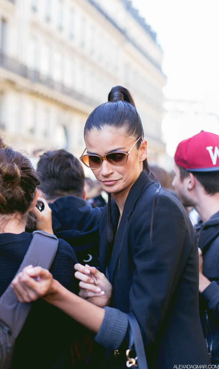 PAPARAZZI-PARIS-FASHION-WEEK