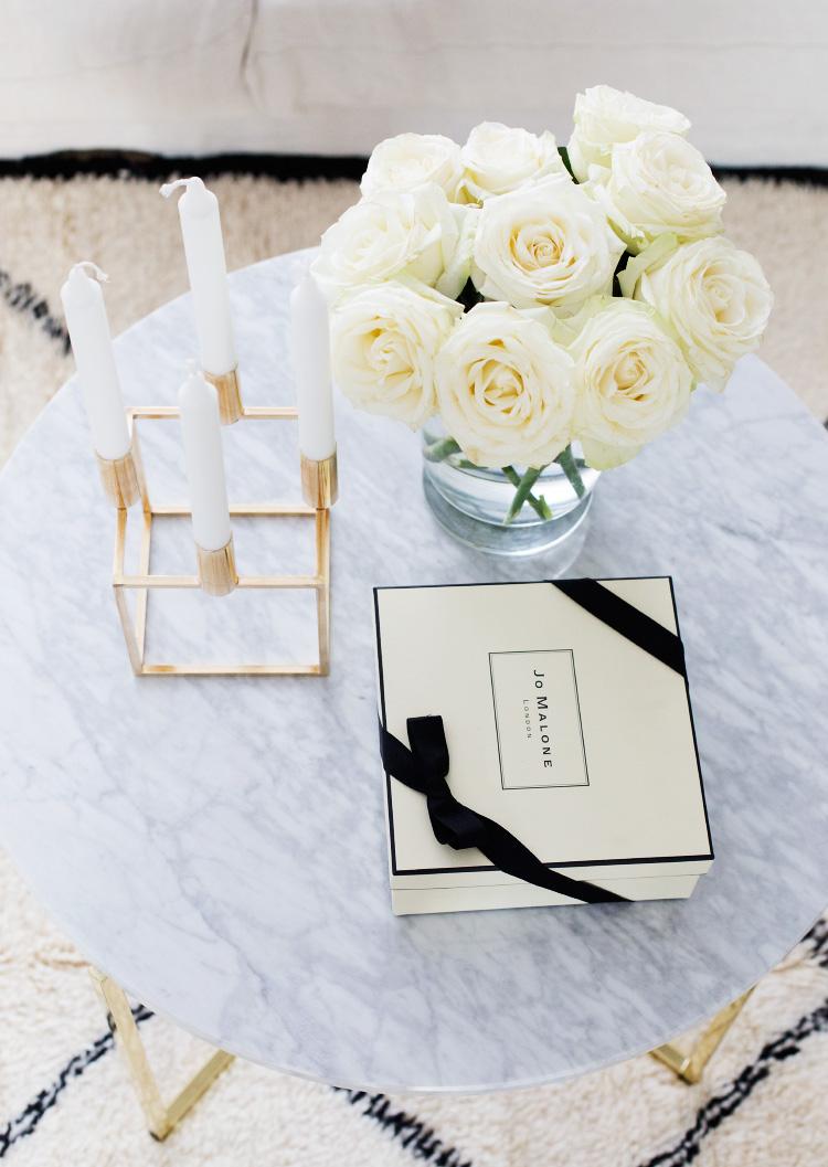 coffee table decor alexa dagmar alexa dagmar. Black Bedroom Furniture Sets. Home Design Ideas