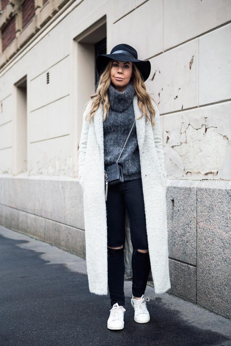 long-grey-coat-outfit