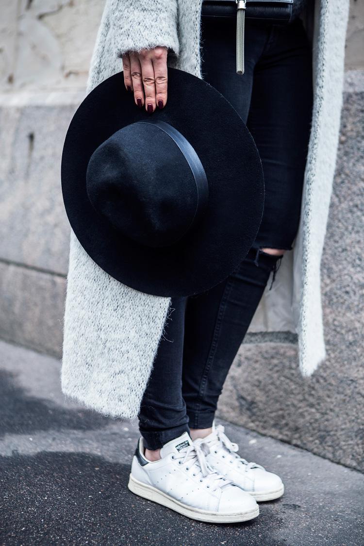 long-grey-coat-outfit2
