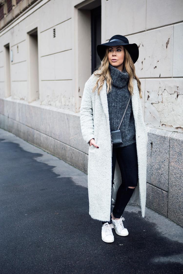 long-grey-coat-outfit6