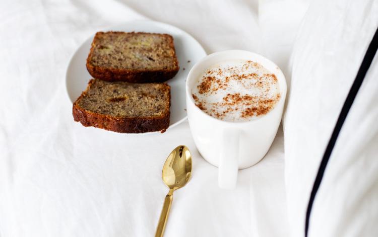alexa-dagmar-banana-bread