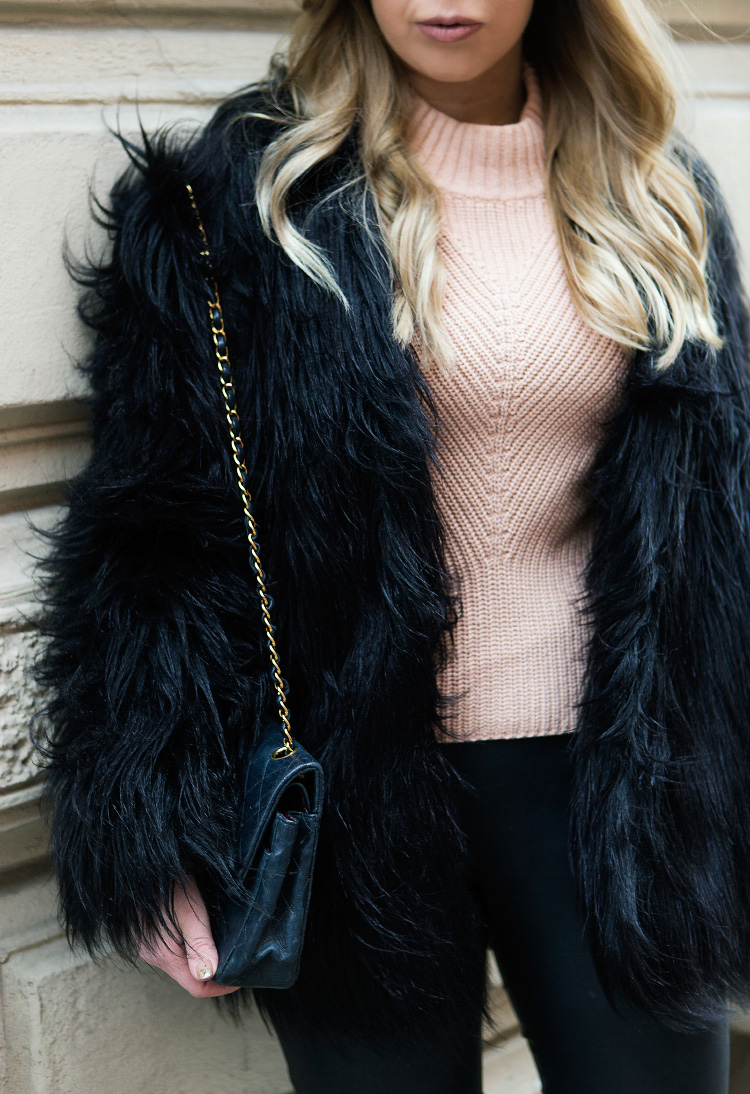 faux-fur-jacket-outfit