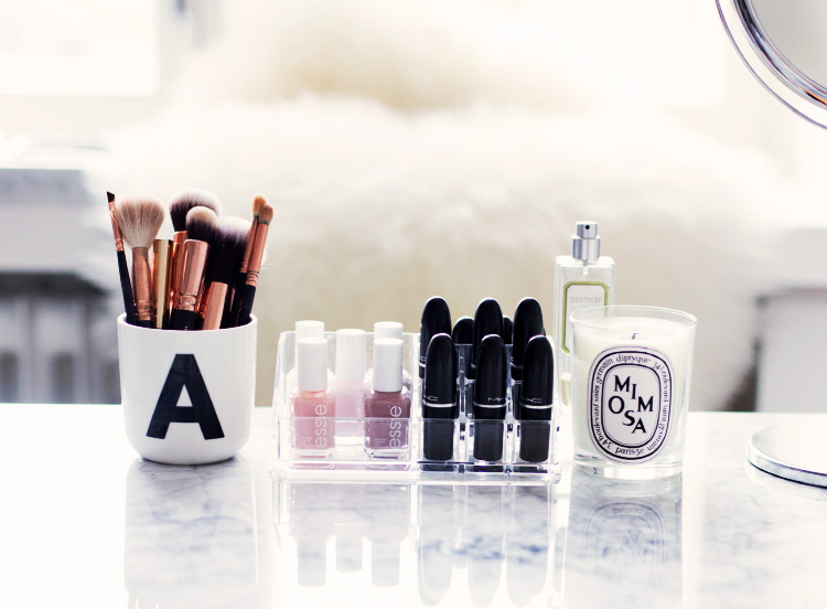 make-up-collection-storage