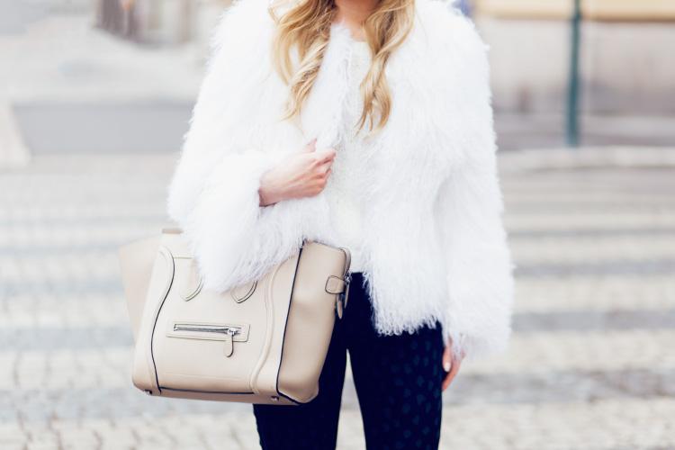 white-fur-details