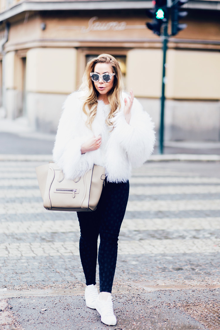 white-fur-outfit2