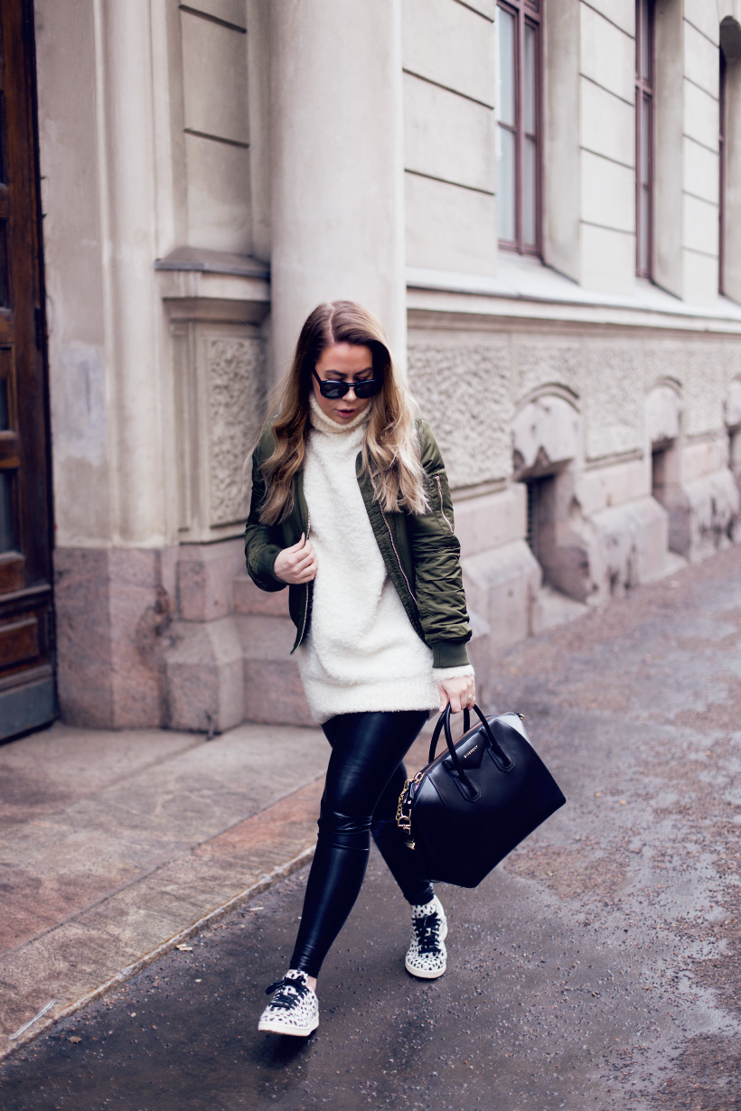 green-bomber-outfit2