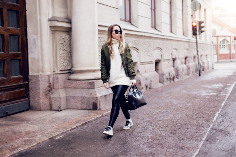 green-bomber-outfit3