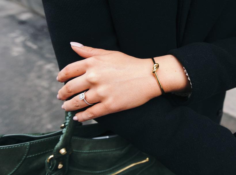 celine-knot-thin-bracelet