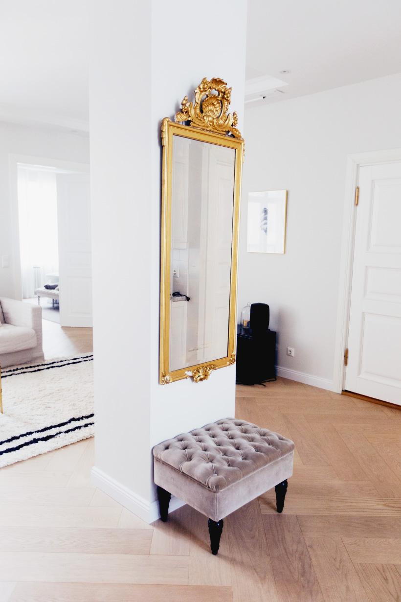 alexa-dagmar-apartment