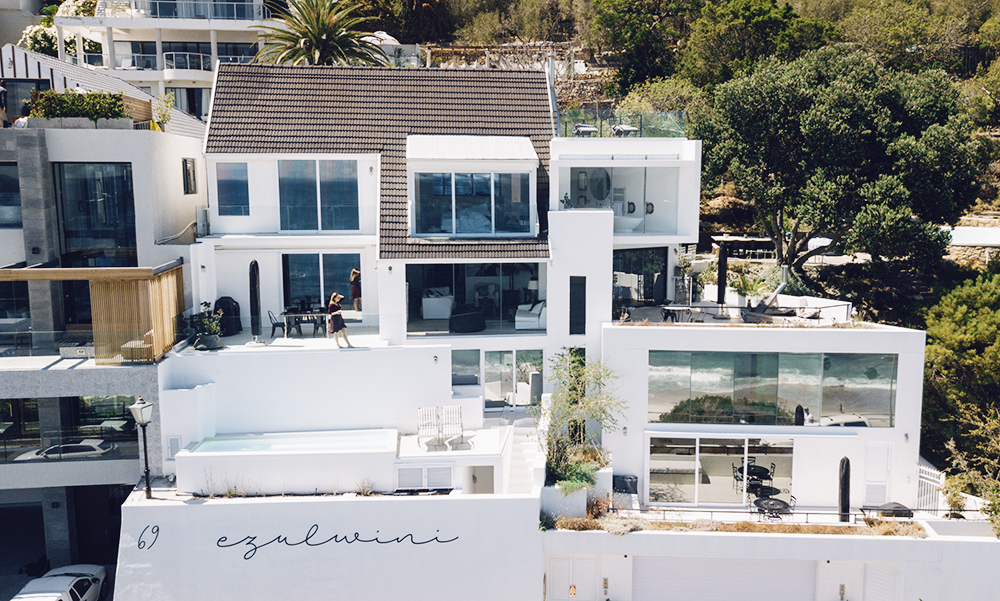 the coolest airbnb in cape town alexa dagmar alexa dagmar. Black Bedroom Furniture Sets. Home Design Ideas