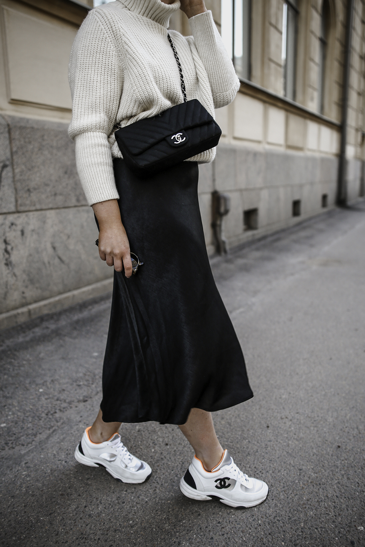 chanel-sneaker-outfit - Alexa Dagmar